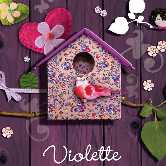 Tableau toile maison fleurie avec oiseau bois violet for Decoration murale oiseau 3d